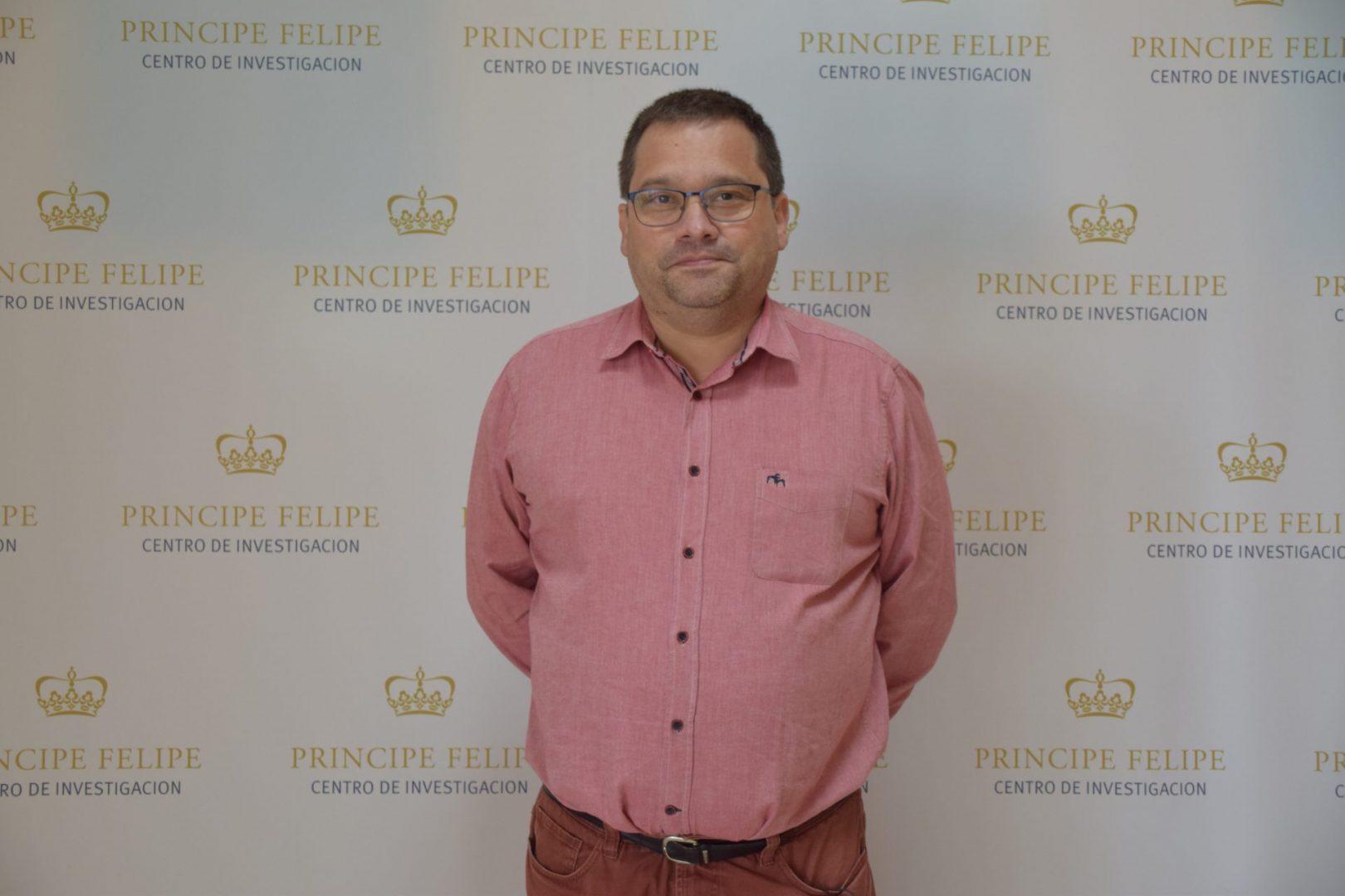 Read more about the article Dr. Jesús Alcázar